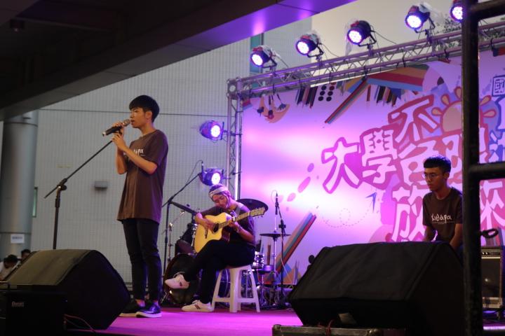 木吉他社表演